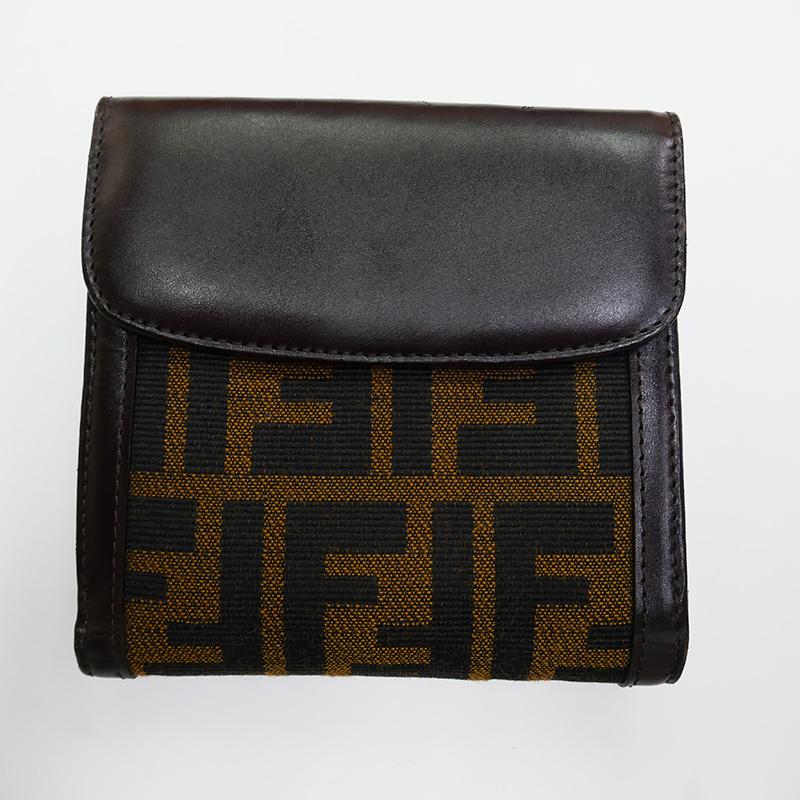 【FENDI】フェンディ ズッカ 二つ折り Wホック 両面開き 財布